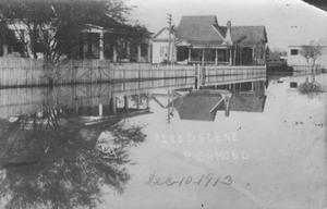 Primary view of object titled '[1913 flood in Richmond, Texas]'.