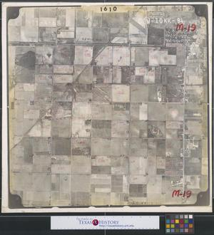 Primary view of object titled '[Aerial Photograph of Southwest Edinburg between 2nd Street and US 281]'.