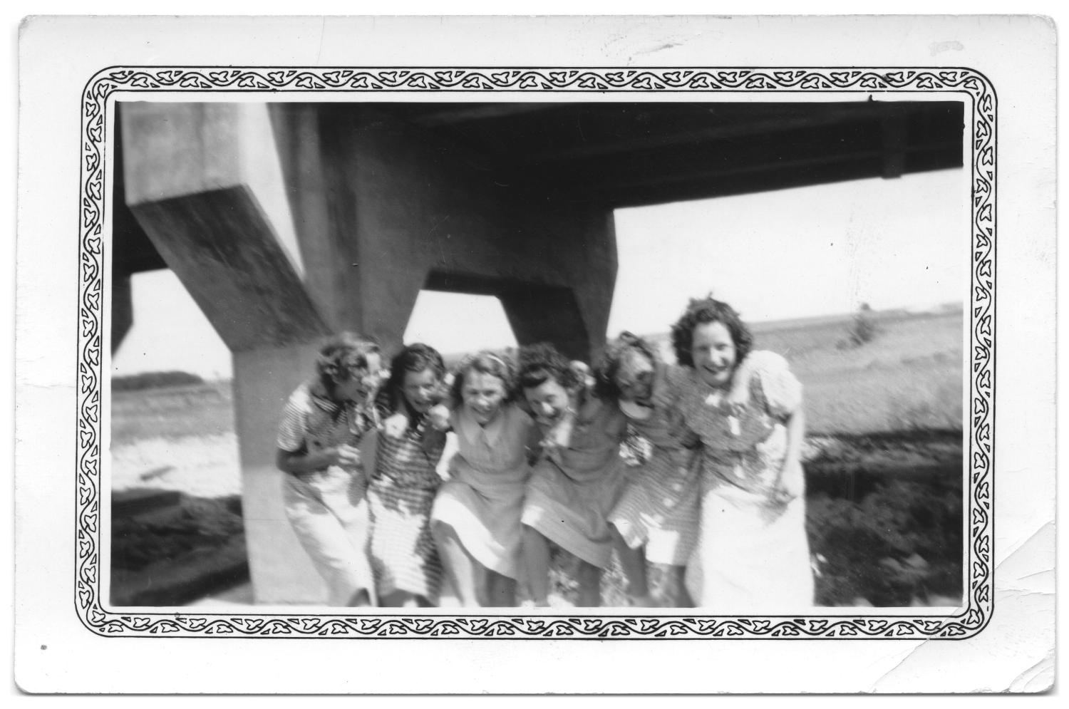 [Unidentified group of young women]                                                                                                      [Sequence #]: 1 of 2