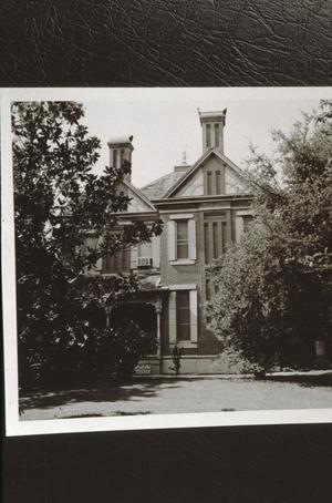 Primary view of object titled '[Davis House]'.