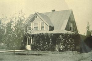 Primary view of object titled '[Historic Property, Photograph 1292-04]'.