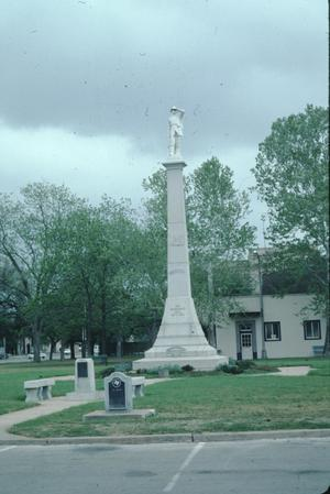 Primary view of object titled '[Confederate Monument]'.