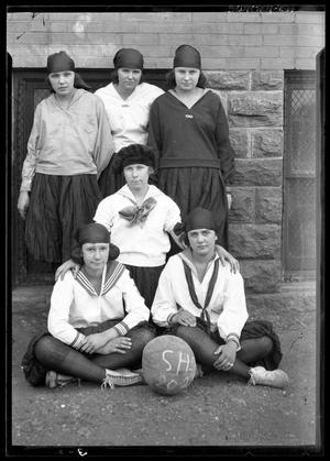 Primary view of object titled '[Girls High School Basketball Team Portrait]'.