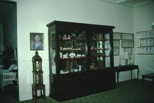 Primary view of object titled '[Beaumont Woman's Club, (foyer)]'.