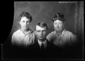 Primary view of object titled '[Portrait of Group]'.