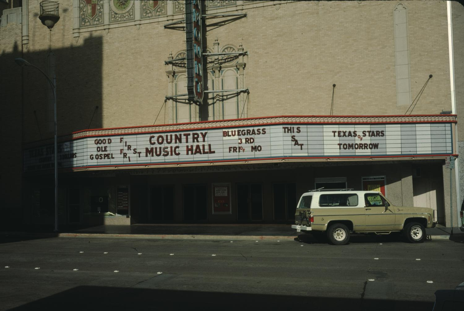 [Paramount Theater, (lower section showing of Marquee)]                                                                                                      [Sequence #]: 1 of 1